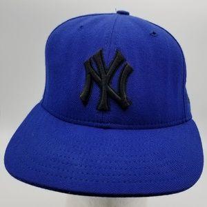 MLB New York Yankees Blue hat New Era 90's  7 1/4